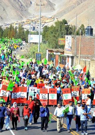 protest mining Peru.jpg