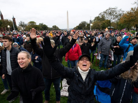Super Spreader for Jesus, Worship Protest on National Mall, Thousands Show