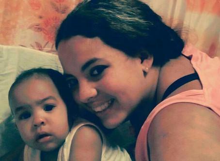 Madre Soltera, Havana, Cuba, Saluda Amistosamente
