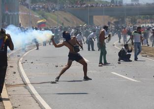 tear gas protest Caracas Venezuela.jpg