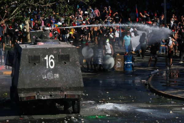 Chile water cannon