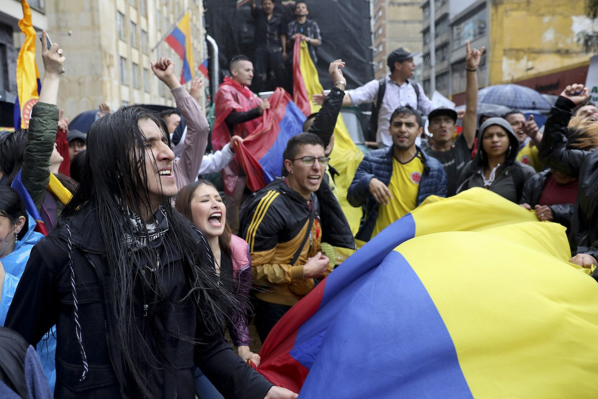 Colombians protest with flag