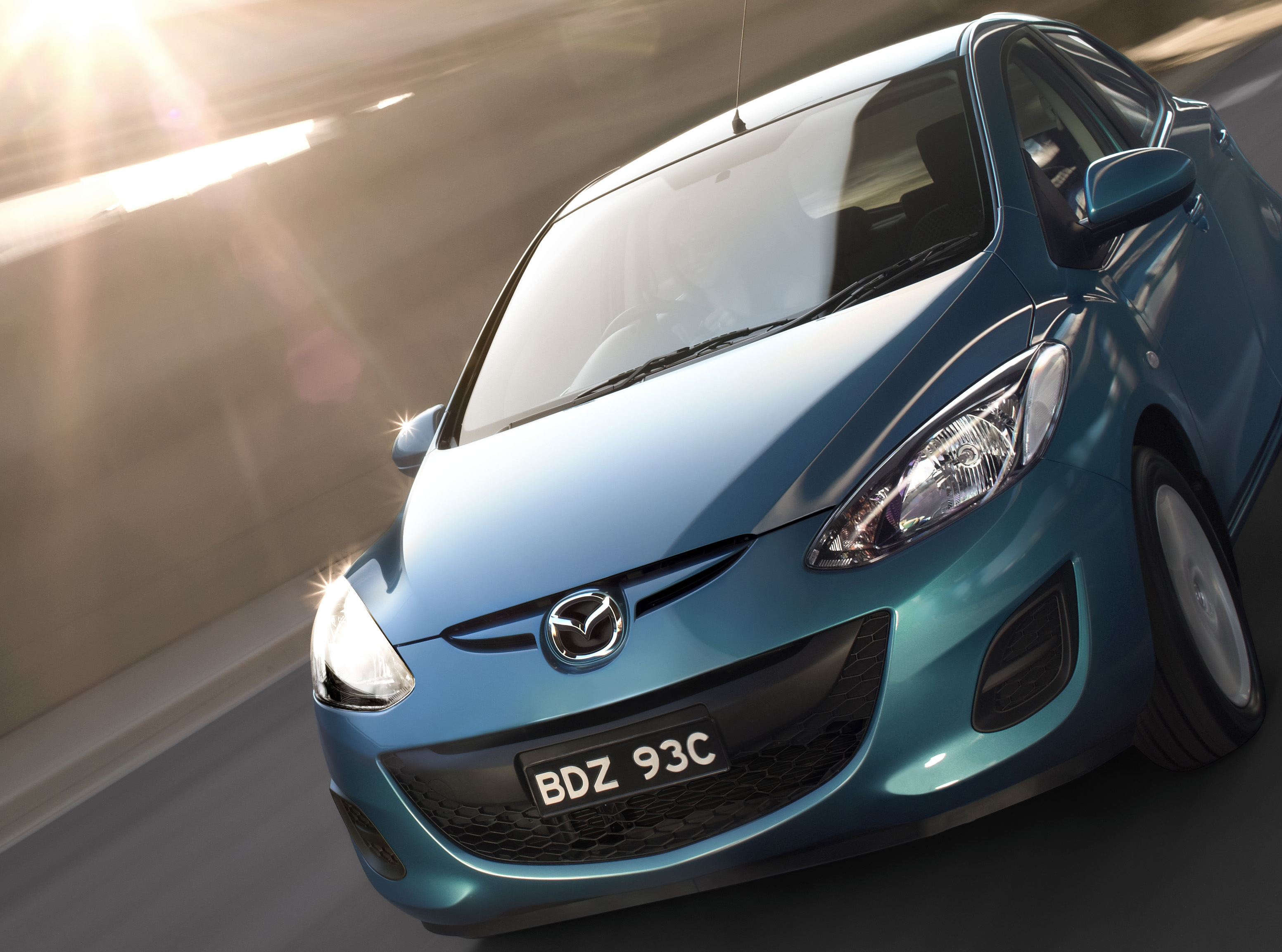Mazda 2 1558hero_RGB_CROP.jpg