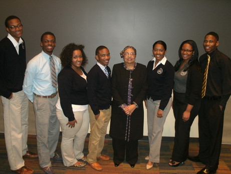 Flonzie meets with students at Jackson S
