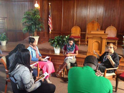Flonzie meets with students at Tougaloo
