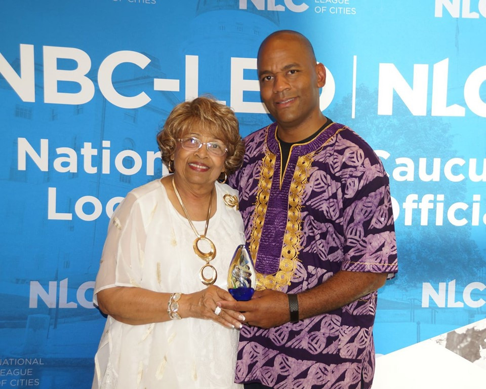 """City Councilman DeKeither Stamps present Flonzie with the """"Servant Leader Award"""" at the National Conference of the National Black Caucus of Legislators, 2019 in Jackson, MS"""