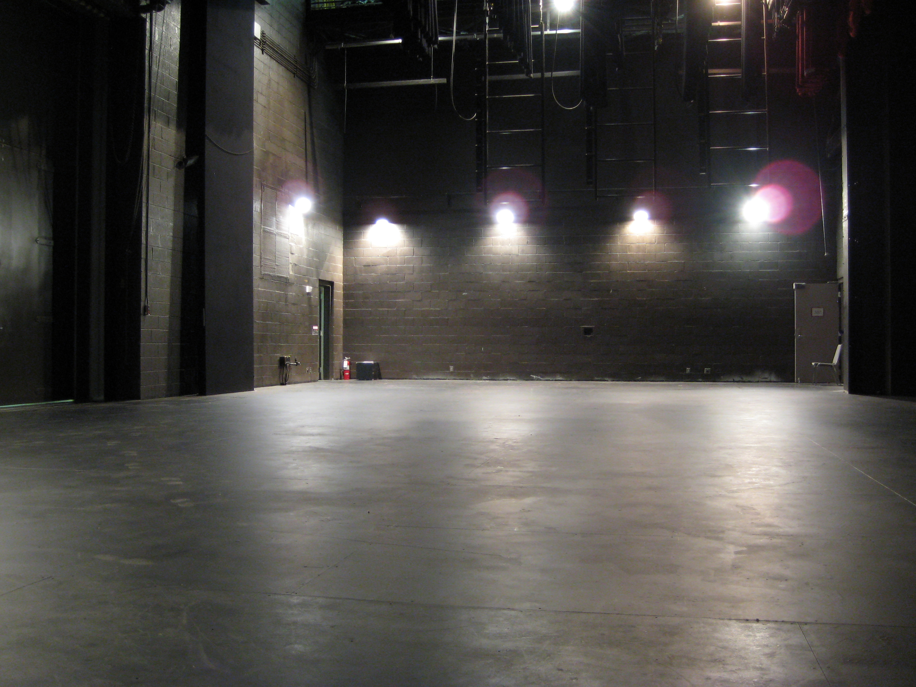 theatre-stage-empty-4352565-o