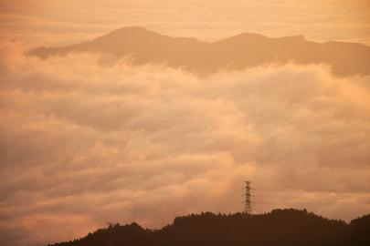 夕陽與雲海熱戀.jpg