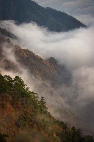 層層雲霧.jpg