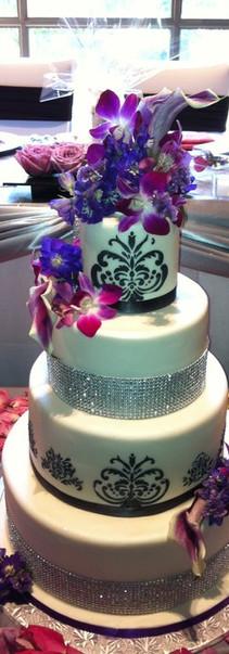 Liberty Grand Wedding Cake July 2011.jpg