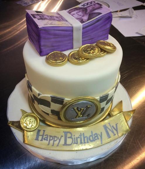 versace belt with money stack.jpg