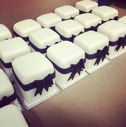 mini wedding cakes.jpg