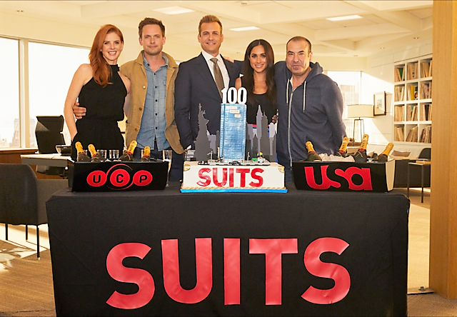 suits cake