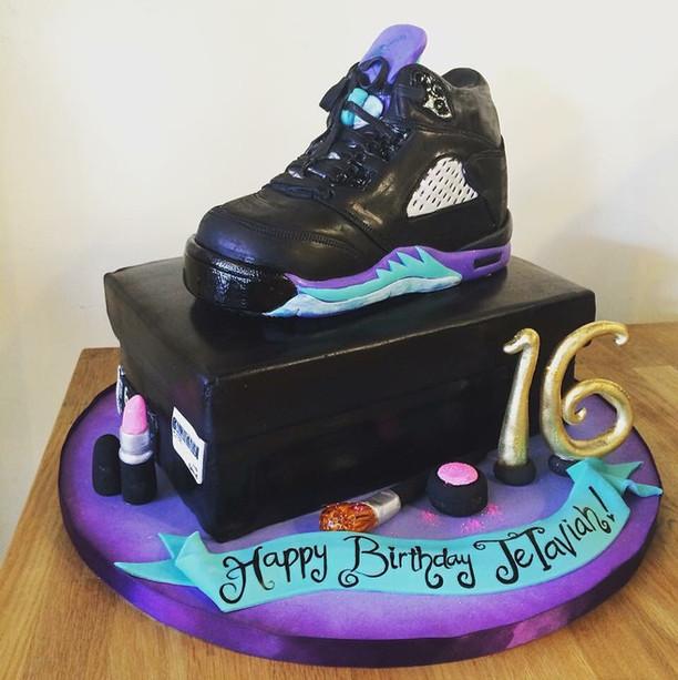 Jordan shoe and shoe box cake.jpg