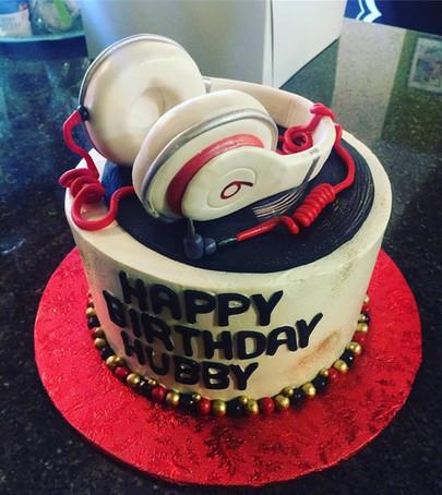 Beats cake.JPG