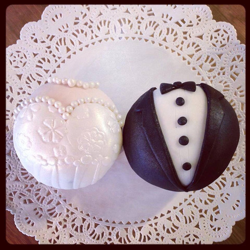 bridal cupcakes.jpg