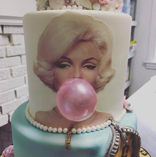 marilyn monroe cake.jpg