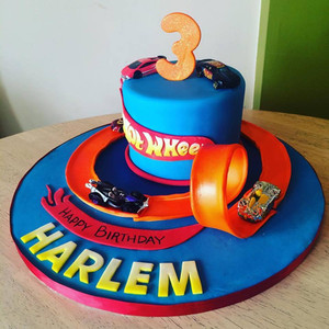 hot wheels cake.jpg