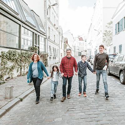 המשפחה המעופפת בפריז