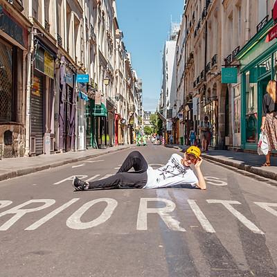 גיא בפריז