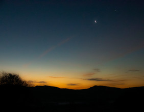 The moon, venus and jupiter 2.jpg