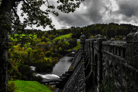 Lake Vyrnwy dam with green effect.jpg