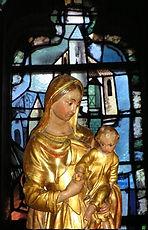 Hennebont_Basilique_statue Notre Dame de