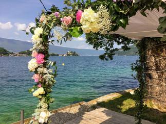 Fleuriste mariage Annecy.jpg