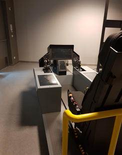 F35 Cockpit Simulator