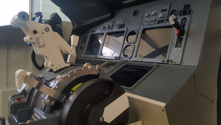 SOLO737 single seat