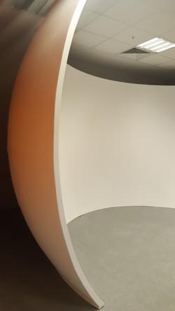 Kupols curved display system
