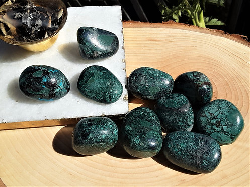 Chrysocolla - Expression, Goddess Energy, Gentleness