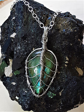 Labradorite Leaf ~ Protection & Higher Self ~ All Chakras