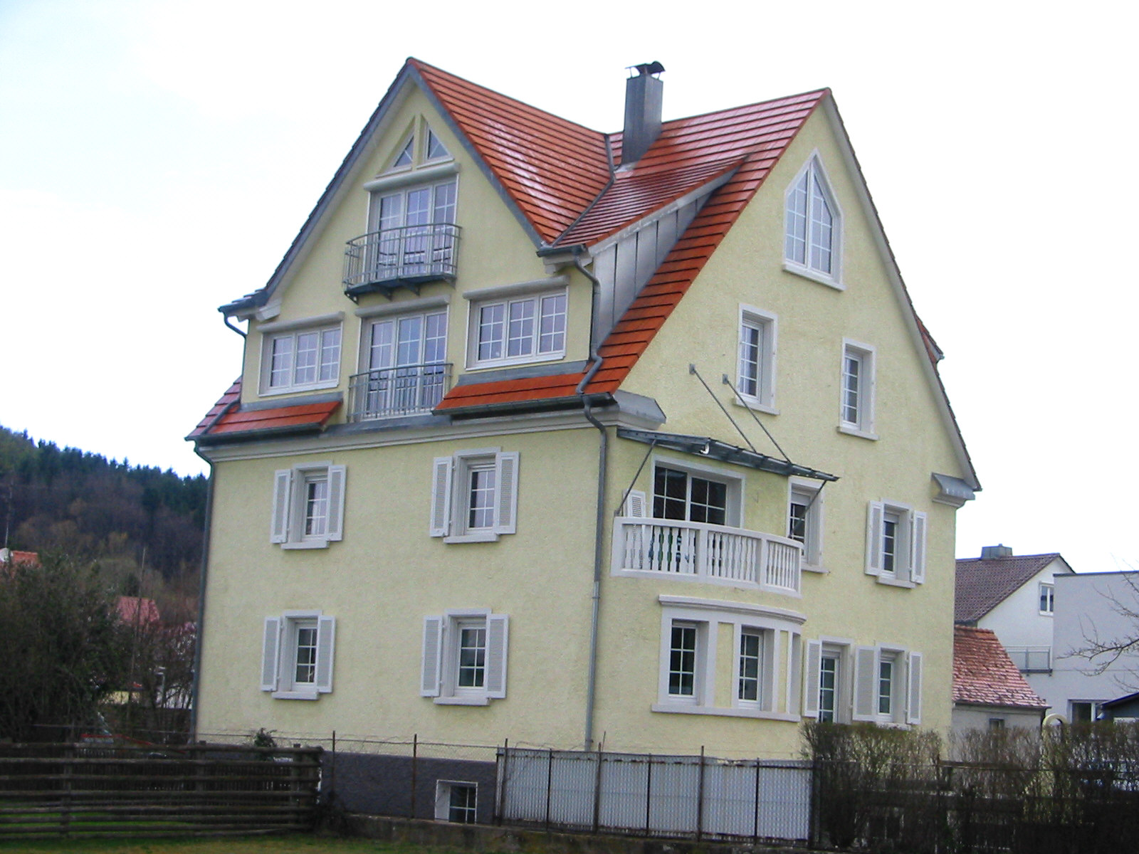Wohn- und Praxisgebäude