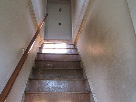 The stairway and it's oddball ledge area:
