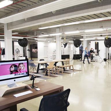 eShot AG Studio Hamburg_1.jpg