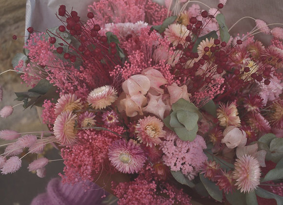 bouquets de fleurs séchées dégradé de rose