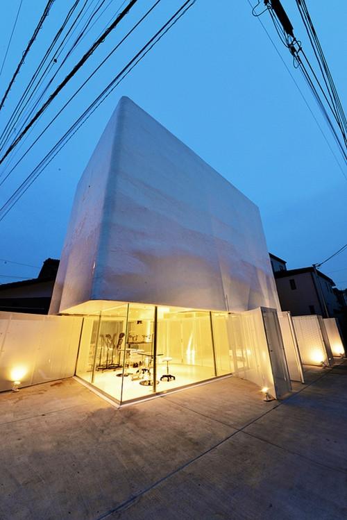 บ้านลายเมฆสีขาว พร้อมกระจกใสเพิ่มความโปร่งสบาย2.jpg