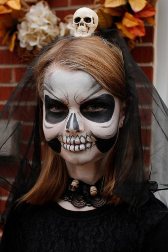 Doodlebug face painting skull_2.jpg