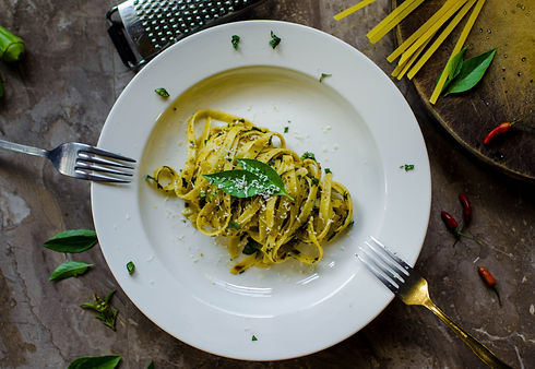 pasta-with-parmesan-1256875.jpg