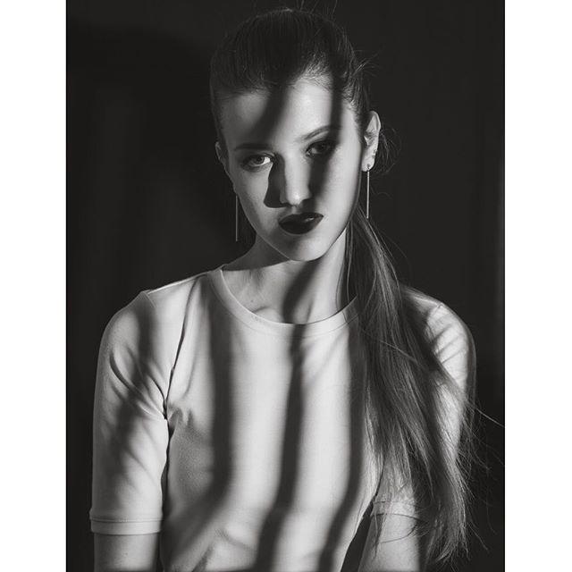 _hanako_mua  #blackandwhite #shadow #blackandwhitephotography #fashionphotography