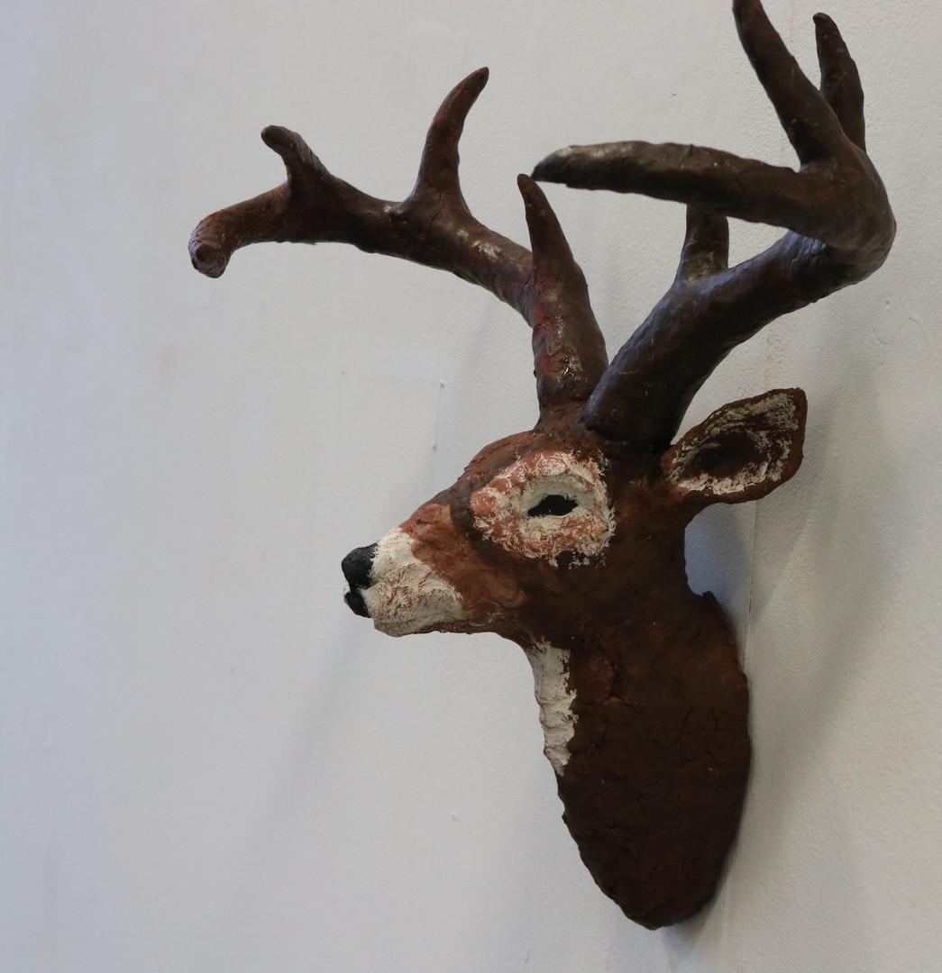 Deer head (side head)