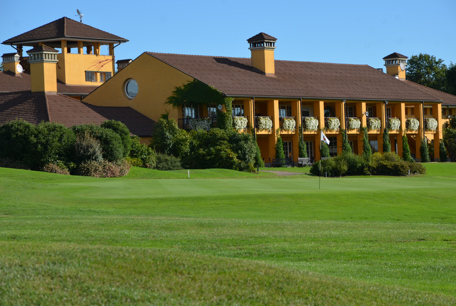 Clubhaus Golf Hotel Castelconturbia