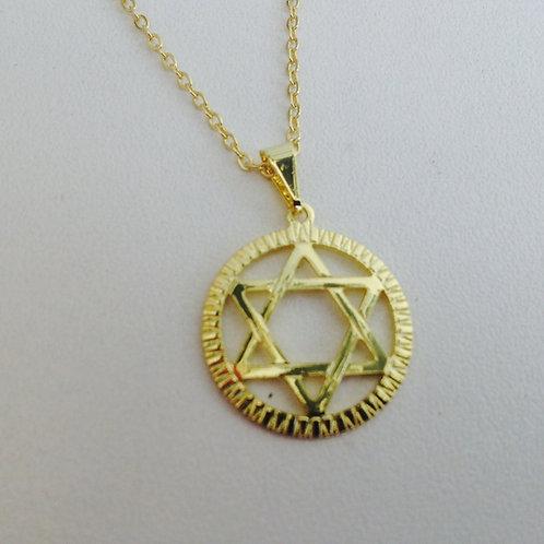 Colar dourado  estrela de david com corrente
