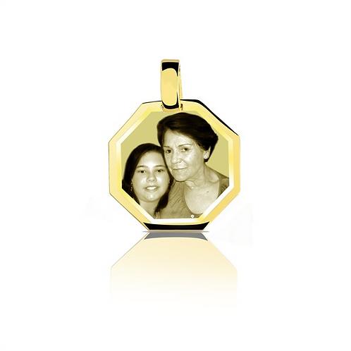 Pingente personalizado de ouro amarelo 18k .