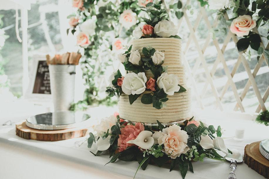 Rustic wedding cake - moonflower films photography - hampshire wedding