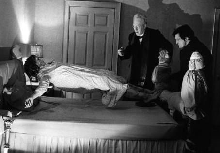 """¿Tendrá """"El Exorcista"""" una nueva película? 🧟♀️🤮 ¡Aquí el chisme!👇🏻"""