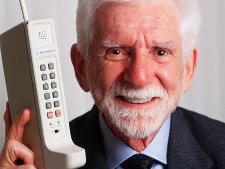 Después de tantos años de tecnología, regresan los teléfonos ladrillos 🥴 ¿lo comprarías?🤑