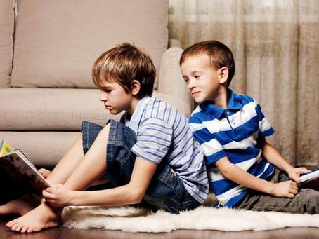 Los hermanos pequeños son los más divertidos ¡Según estudio!👶🏻🙊