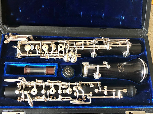 Fox 400 oboe with third octave